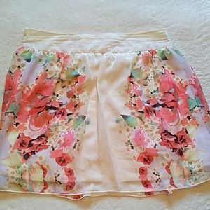 Maurice's large cream floral skirt